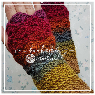 Fantail Stitch Fingerless Gloves